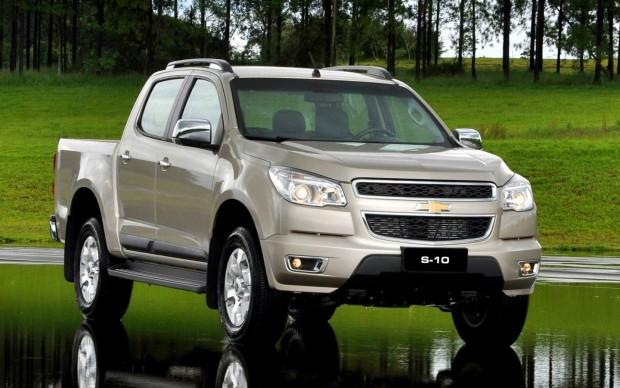 Chevrolet-s10-ls-2-8-TD-cabine-dupla-4x2