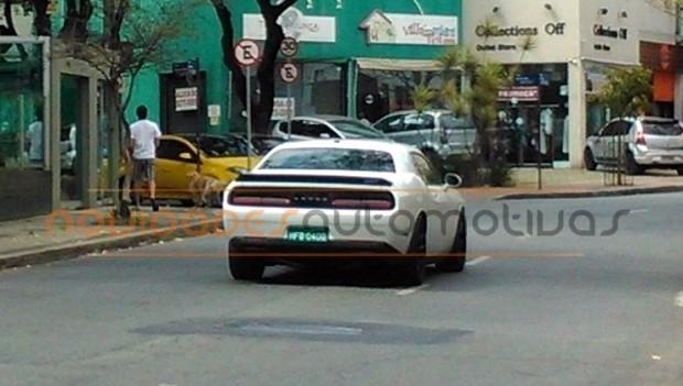 Dodge-Challenger-Hellcat1-740x419