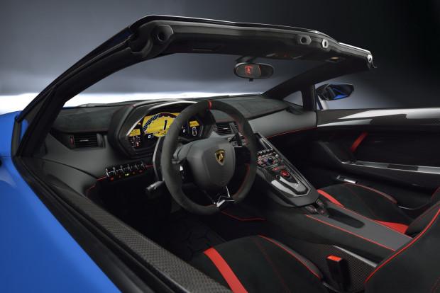 Lamborghini-Aventador-SV-Roadster-13