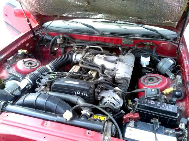 Toyota-Supra-1988-8