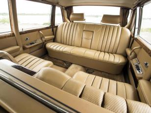 mercedes-benz_600_4-door_pullman_limousine_7