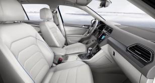 2017-VW-Tiguan-GTE-26