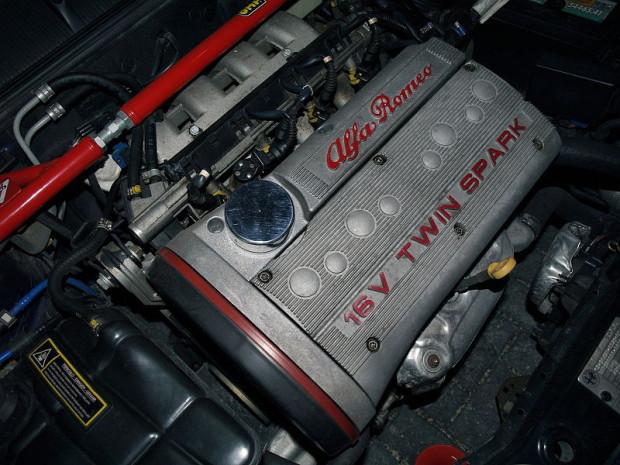 Alfa_Romeo_Twin_Spark