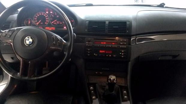 BMW-330i-2001-11