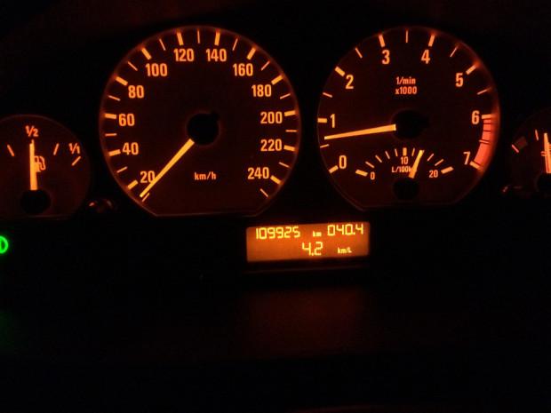BMW-330i-2001-3