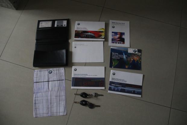 BMW-330i-2001-6