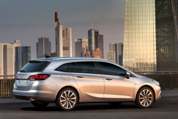Opel-Astra-Sports-Tourer-10