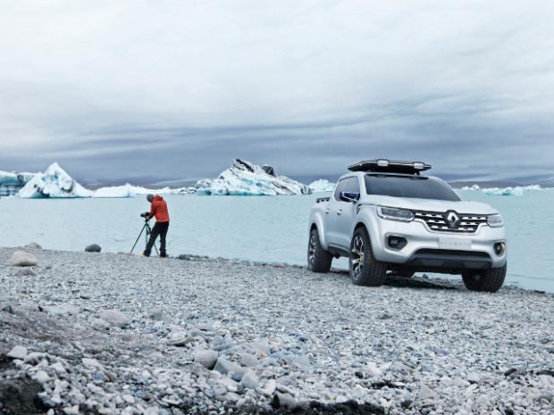Renault-Alaskan-6