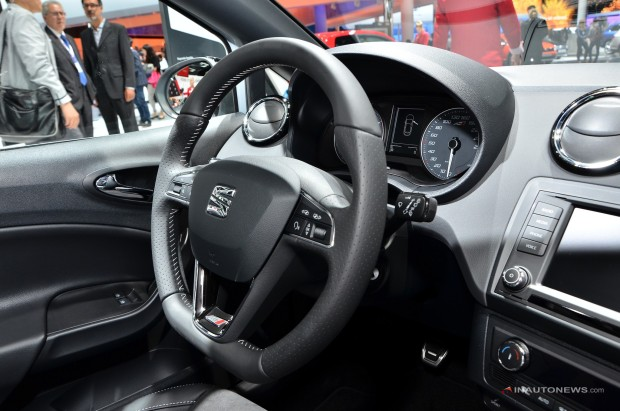 Seat-Ibiza-Cupra-Facelift-IAA-2015-14