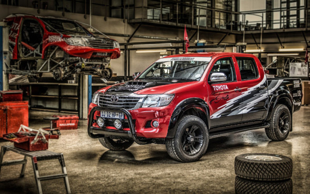 Toyota-Hilux-Racing-Experience-1