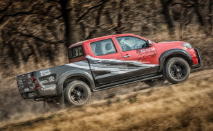 Toyota-Hilux-Racing-Experience-2