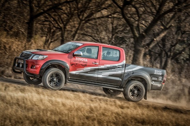 Toyota-Hilux-Racing-Experience-4