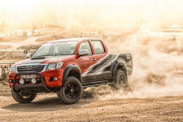 Toyota-Hilux-Racing-Experience-5