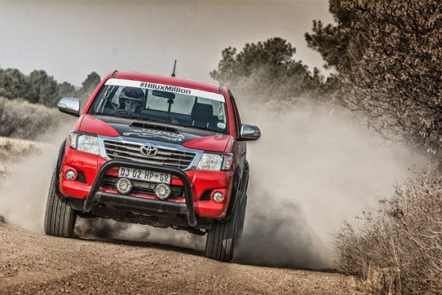 Toyota-Hilux-Racing-Experience-6