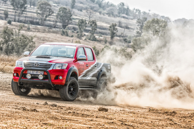 Toyota-Hilux-Racing-Experience-8