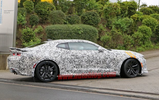 chevrolet-camaro-zl1-spy-shots-005-1