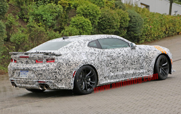 chevrolet-camaro-zl1-spy-shots-007-1