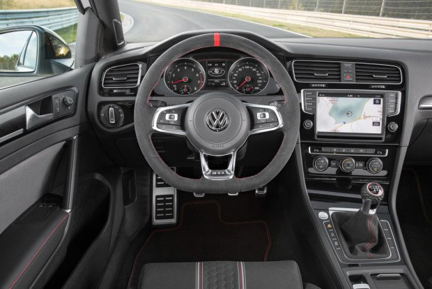 volkswagen_golf_gti_clubsport_2