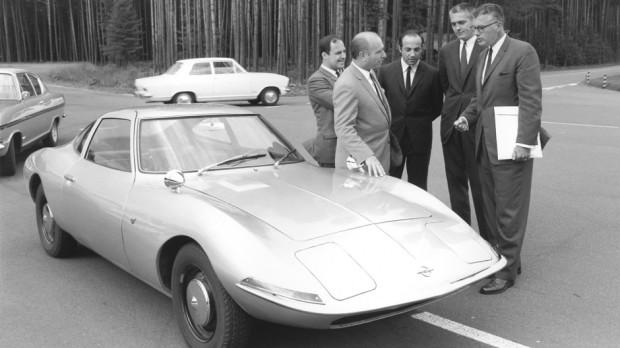 Bob-Lutz-Opel-GT