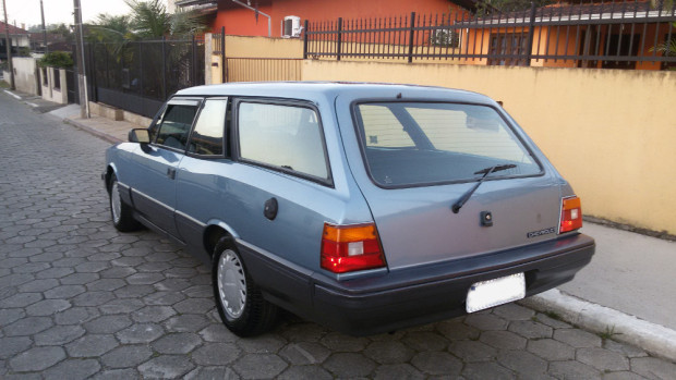 Chevrolet-Caravan-Comodoro-1991-4