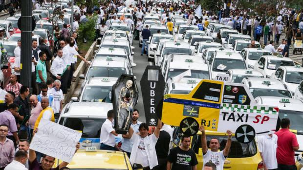 size_810_16_9_pp_protesto-taxistas-durante-votacao-do-uber_090920150004