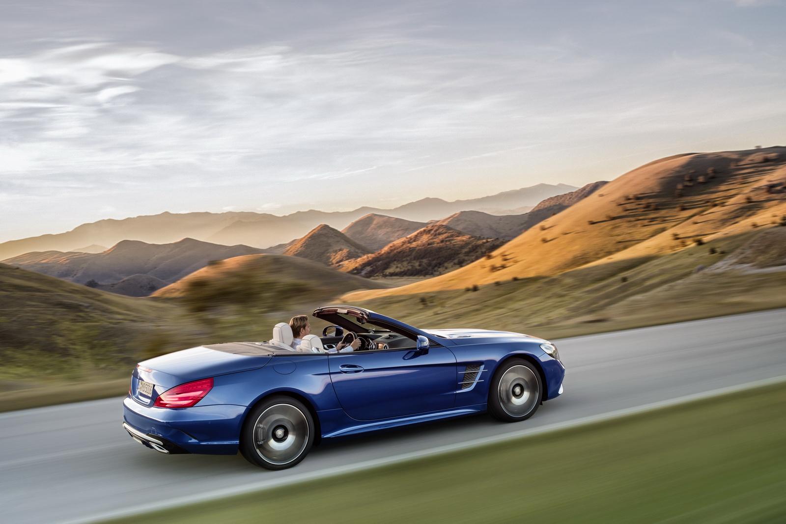 Mercedes Benz SL 500. Brillantblau Mit AMG Line