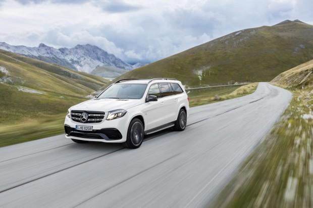 2017-Mercedes-GLS-12