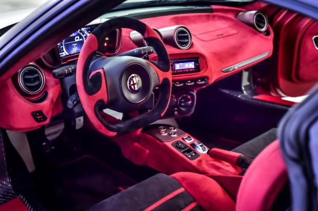 Alfa-Romeo-4C-Garage-Italia-Customs-Dubai-2