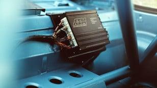 Bisimoto-porsche-AEM-engine-management