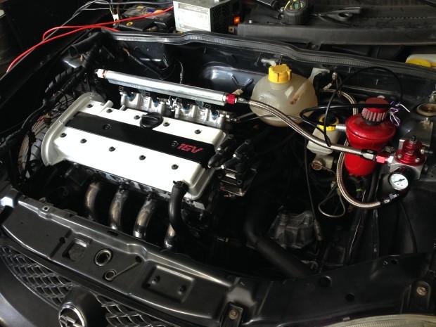 Foto 8 - Motor quase montado