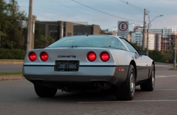 corvette-1985-978801-MLB20409524330_092015-F