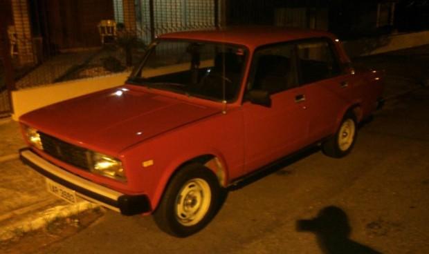 addcee91882 Tração traseira e 143 cv  este Lada Laika com motor Fiat 2.0 está à ...