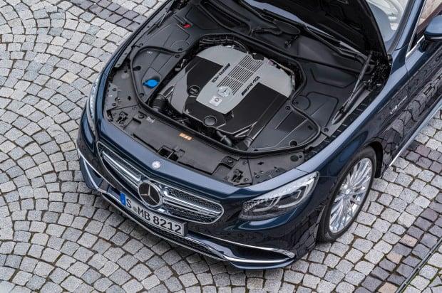 Mercedes-AMG S 65 Cabrio, V12-Biturbomotor, 463 kW (630 PS), 1000 NmV12 biturbo engine,
