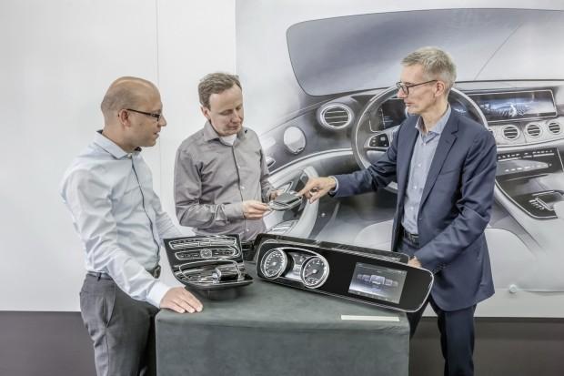 2017-Mercedes-E-Class-Interior-Carscoops20
