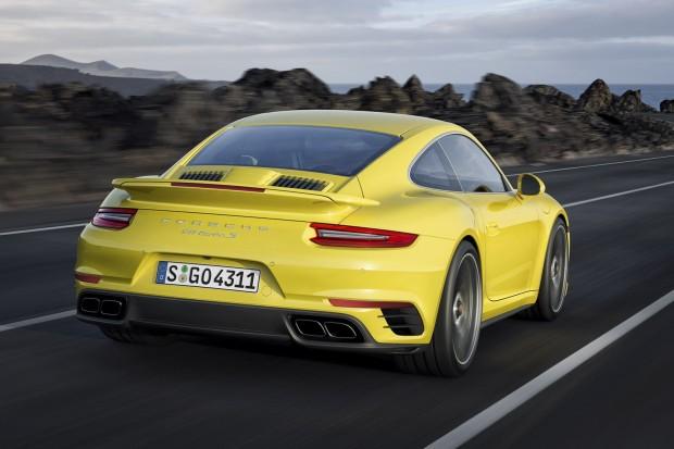2017-Porsche-911-Turbo-S-2