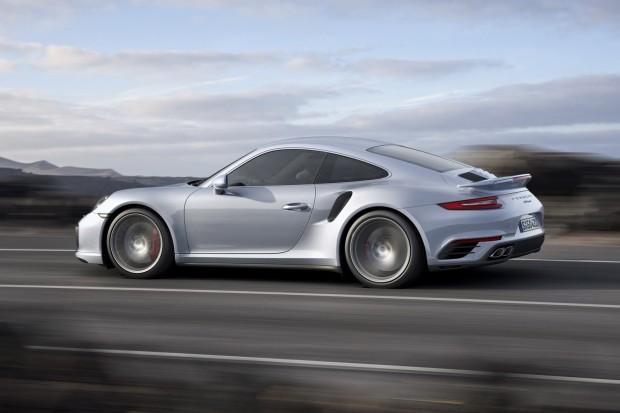 2017-Porsche-911-Turbo-S-8