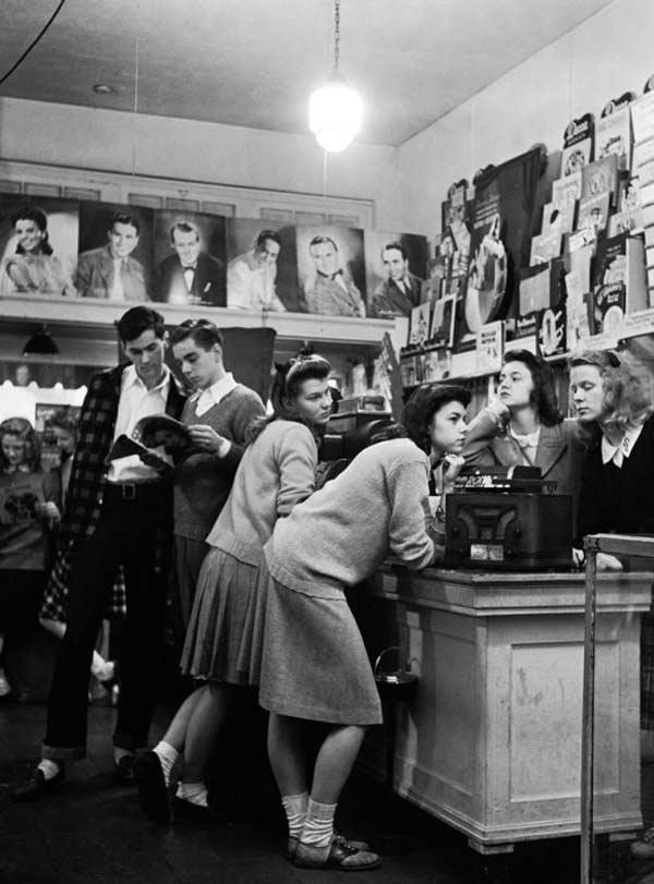 1950s-teen-fashion-04