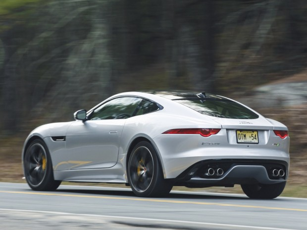 jaguar_f-type_r_coupe_awd_12_1