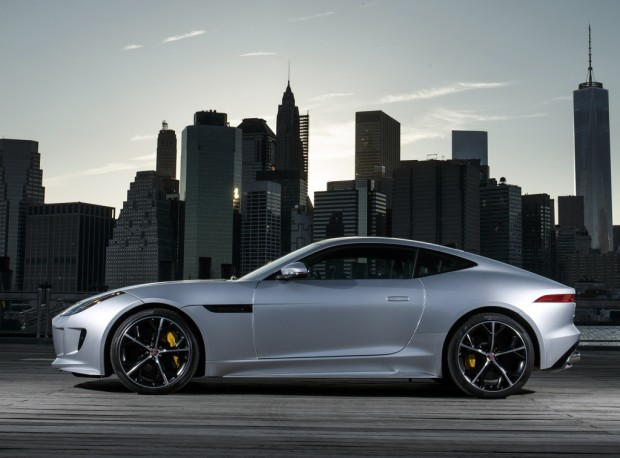 jaguar_f-type_r_coupe_awd_14