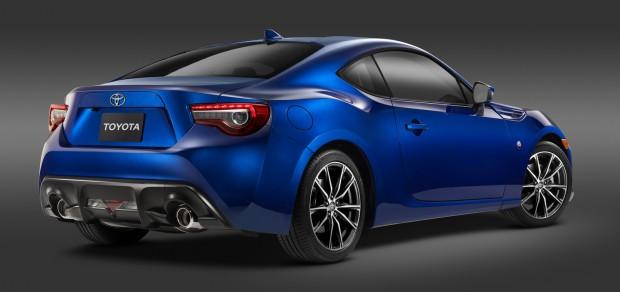 2017-Toyota-GT-86-3