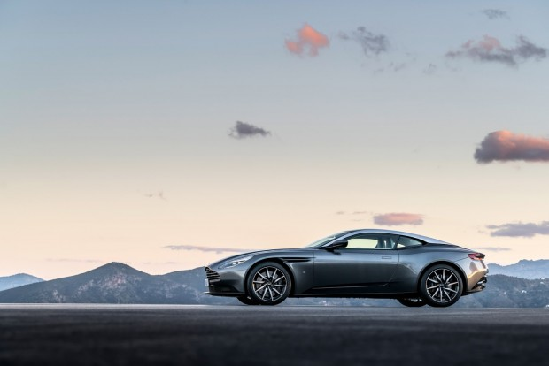Aston-DB11-2