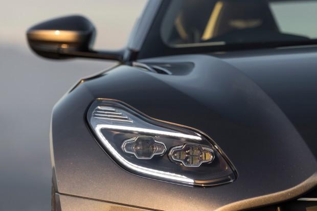 Aston-DB11-41