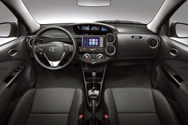 Toyota-Etios-2017-5-740x494