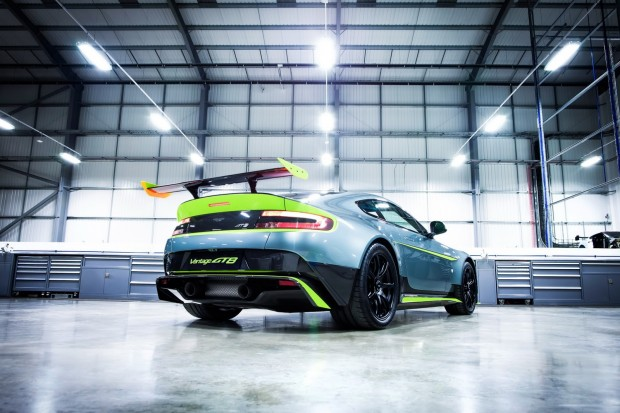 aston-martin-vantage-gt8-official-9