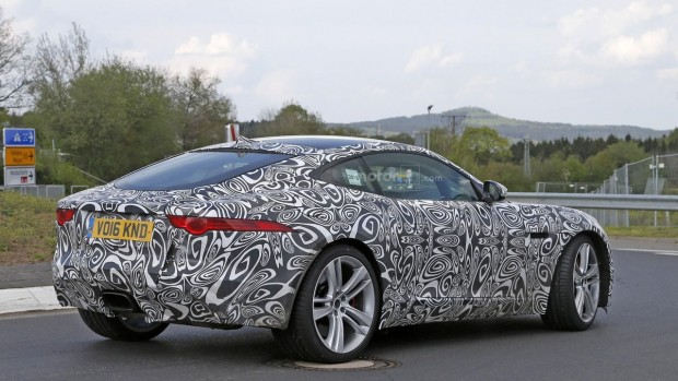 2017-jaguar-f-type-with-four-cylinder-engine-spy-photo-1