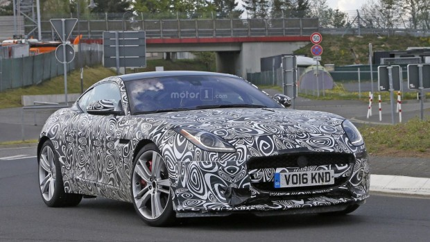 2017-jaguar-f-type-with-four-cylinder-engine-spy-photo