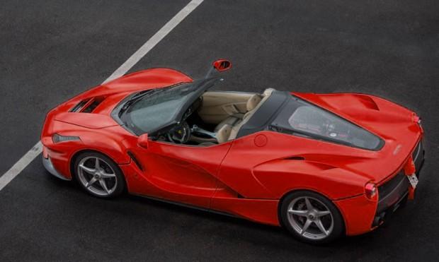 Ferrari-LaFerrari-Spider-Render-2