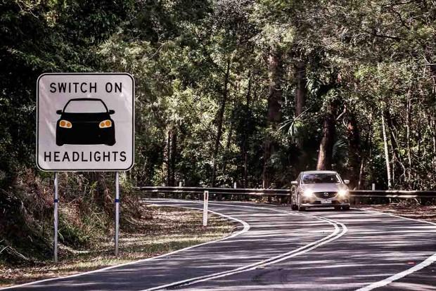 Road-rule-using-headlights