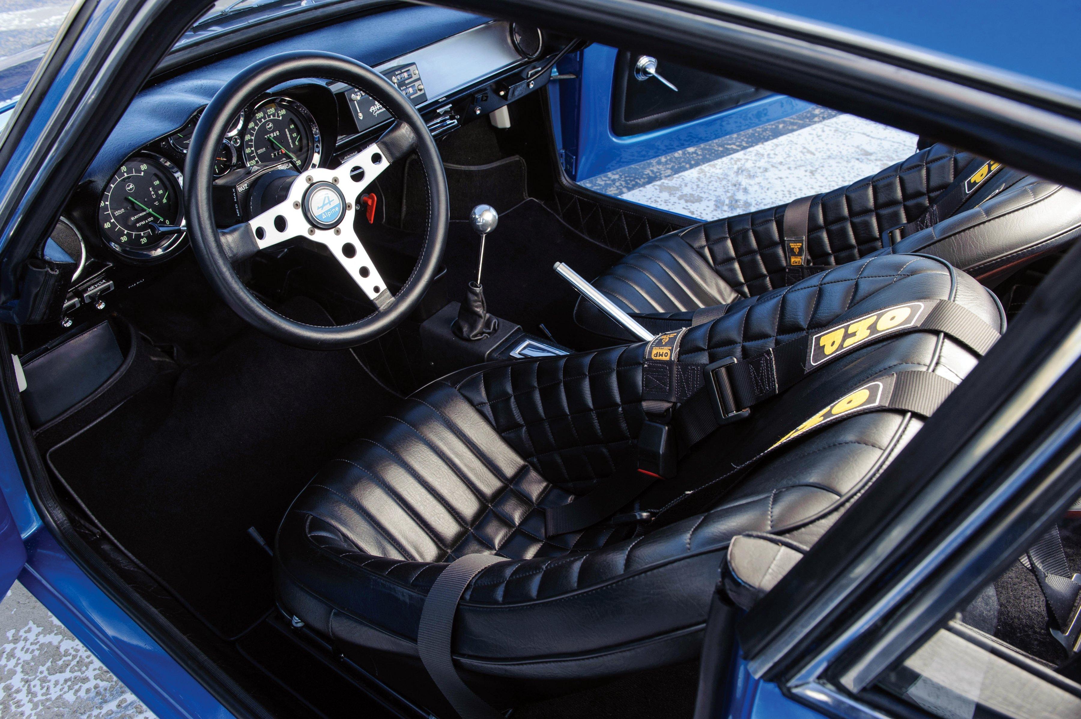 os carros franceses mais emblem ticos da hist ria parte 1 flatout. Black Bedroom Furniture Sets. Home Design Ideas