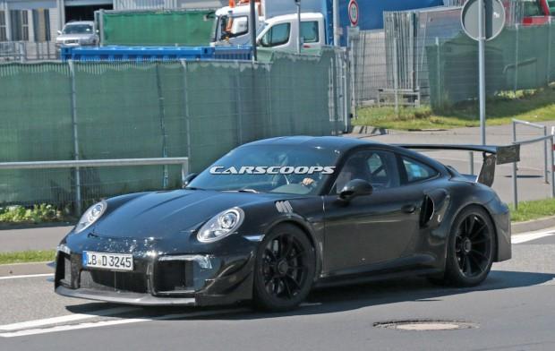 Porsche-911-GT2-Mule-4